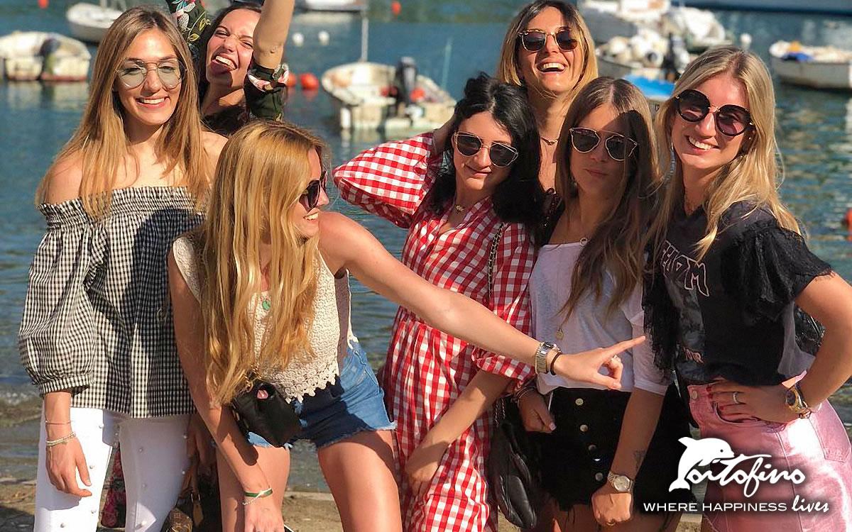 Crazy girls in the Portofino Piazzetta